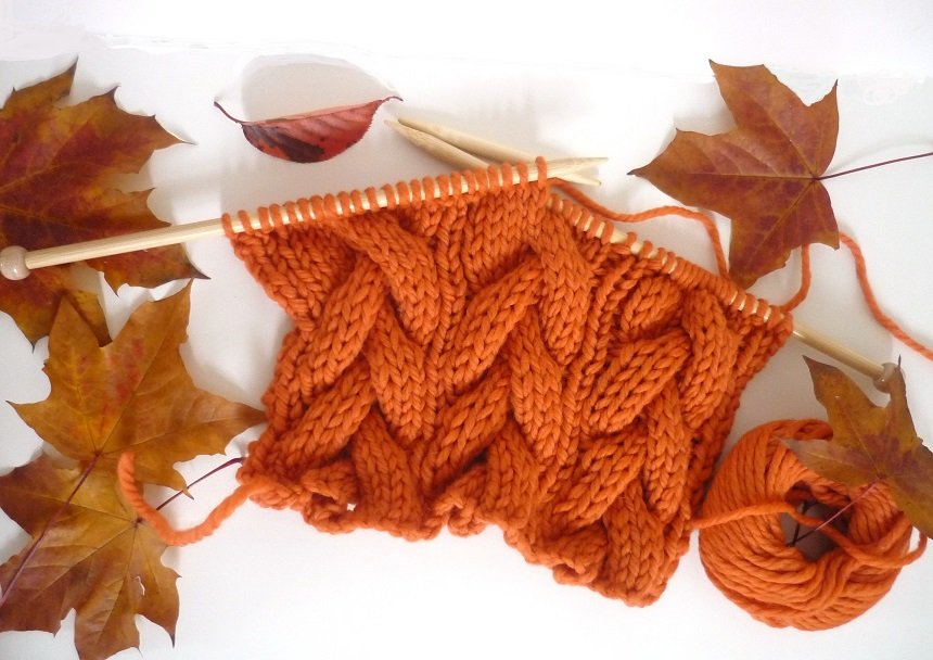 Halloween Knitting Patterns : * Free pattern * Halloween Pumpkin Orange Cable Scarf Watkins & George